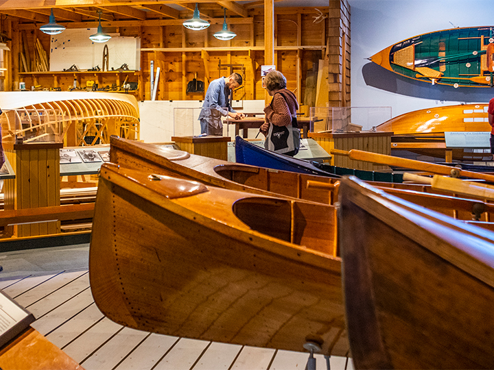 A view of the patrons enjoying the Boats & Boating exhibition.