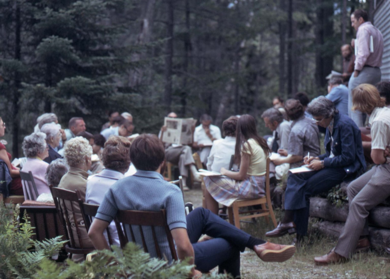 A photograph from 1976 depicting the Adirondack Park Agency (APA) Meeting at Elk Lake.